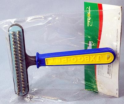 Triol (Триол) - Расческа-грабли двухрядные c пластиковой ручкой 11 см